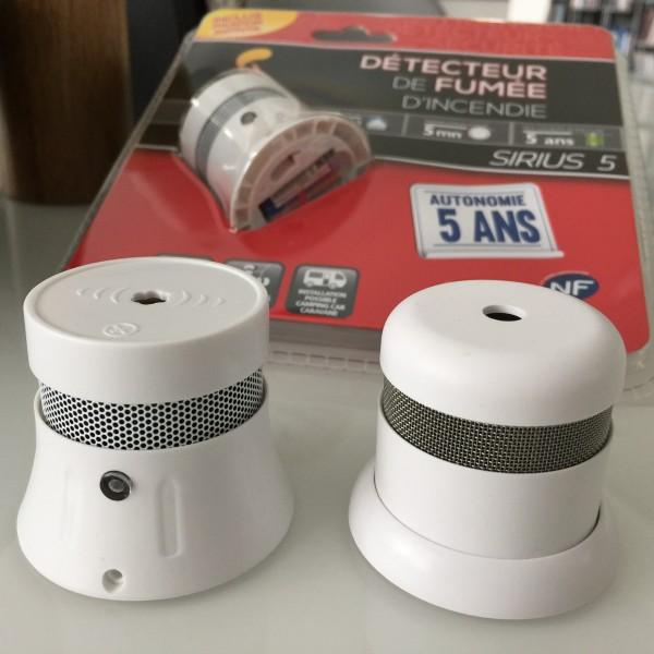sirius sehr kompakter rauchmelder im 5er pack f r 24 99 inkl versand 5 jahre. Black Bedroom Furniture Sets. Home Design Ideas